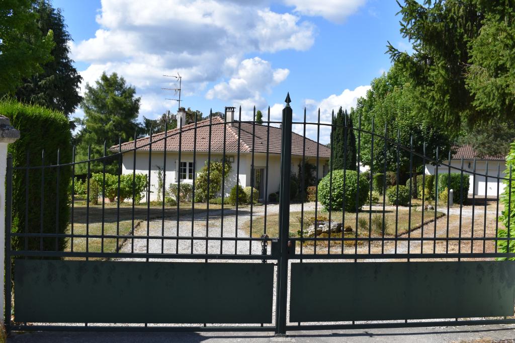 Maison Saint Just Le Martel 5 pièce(s) 125 m2