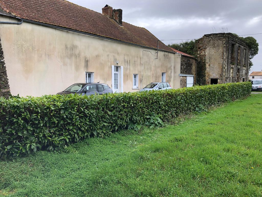 ancienne longère  à rénover  6 pièce(s) 125 m2