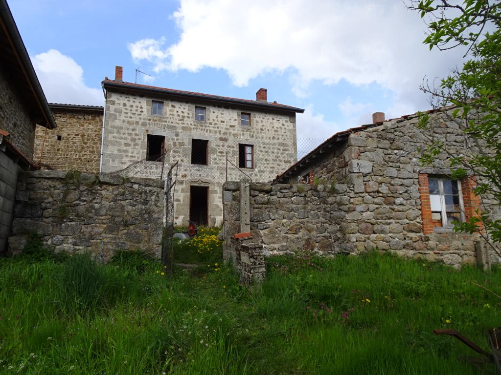 Maison Pierre, dépendances et terrain La chapelle en Lafay