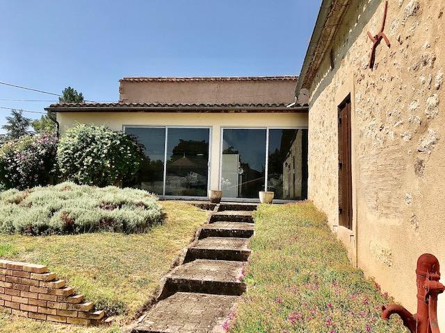 Maison en pierre155 m2+ dépendances