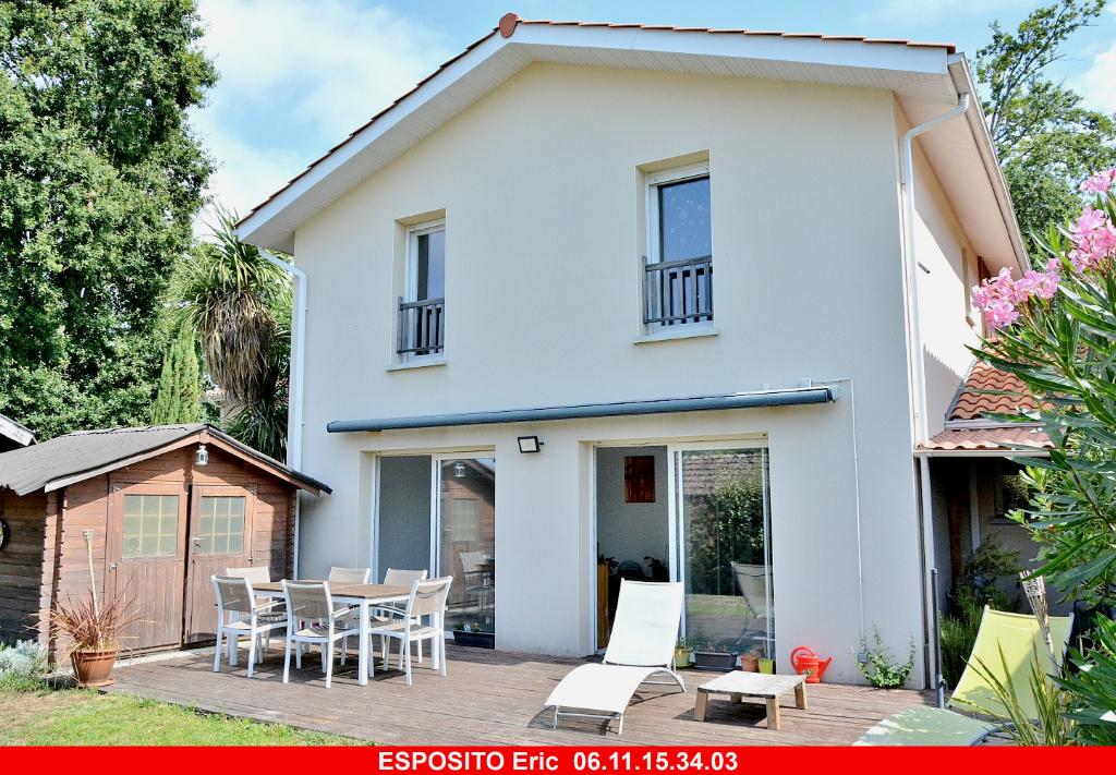 Maison  6 pièce(s) 128 m2 Biscarrosse bourg