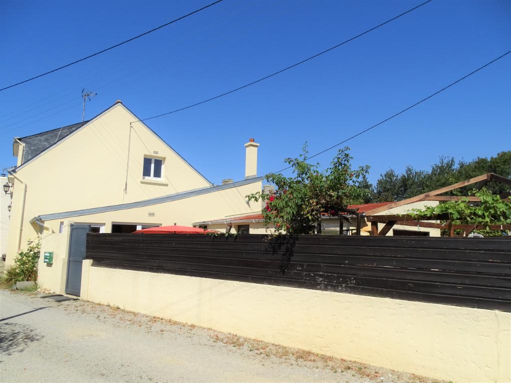RIANTEC - 56 670 - Maison Atypique de 160 M² sur une parcelle de 203 m² plus parking