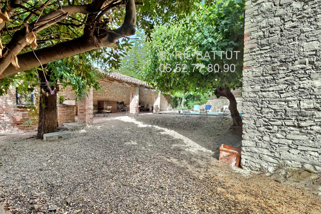 Maison avec piscine, Canaules Et Argentieres, 9 pièce(s), 221 m2