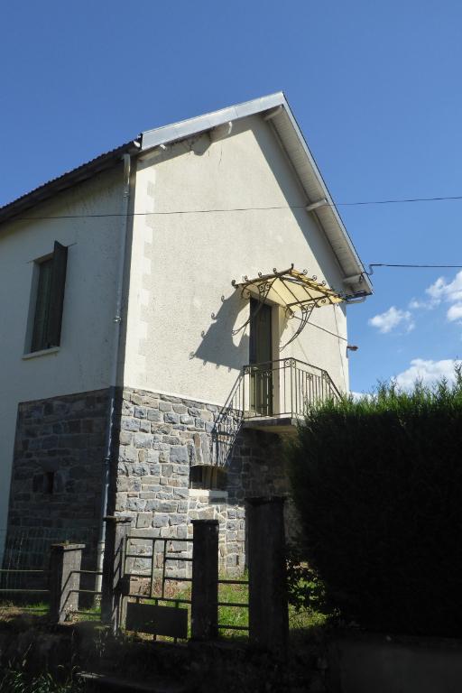 Maison Tulle 5 pièce(s) 82 m2 - A RENOVER - Beau terrain plat