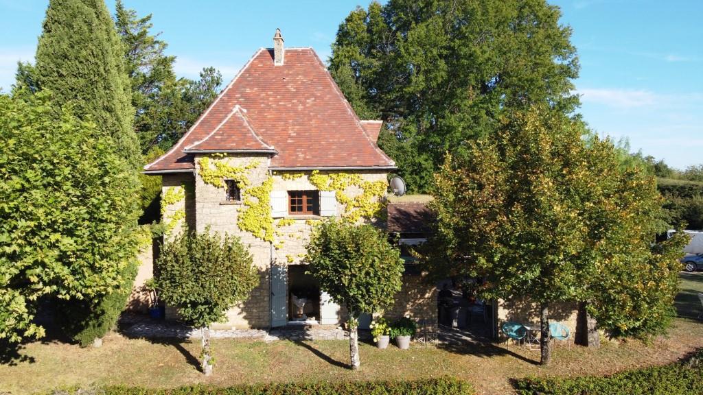 Maison Coux Et Bigaroque Mouzens 8 pièce(s) 180 m2