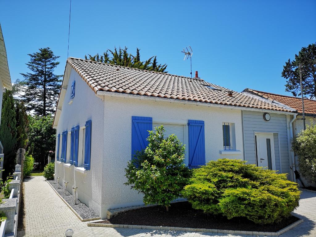 Maison Pornic  Quartier GOURMALON - 4 pièce(s) 100 m² (115m² au sol) avec 3 Chambres. Jardin clos avec dépendance