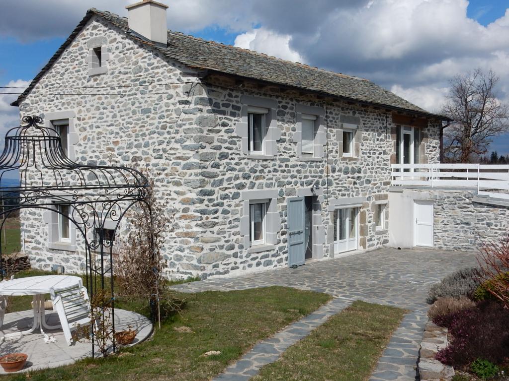 Maison Yssingeaux type corps de ferme 8 pièces 189 m²