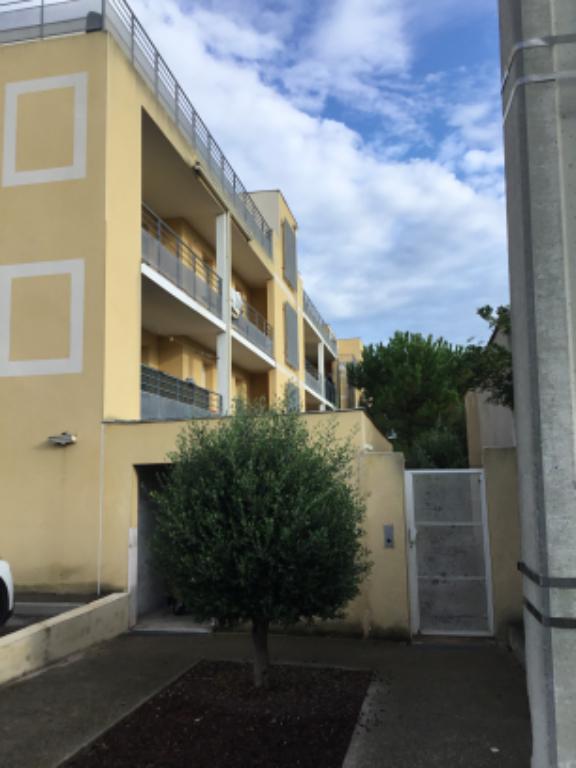 Appartement Narbonne 2 pièce(s) 48 m2 avec balcon et parking