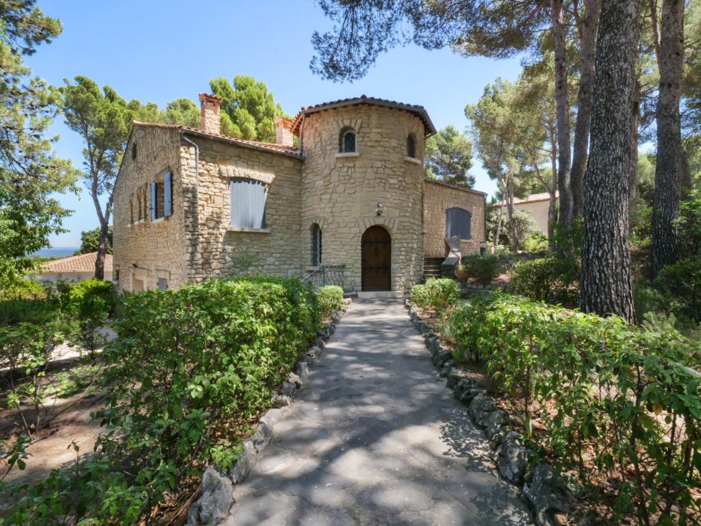 Maison  8 pièce(s) 280 m2    850 000 euros