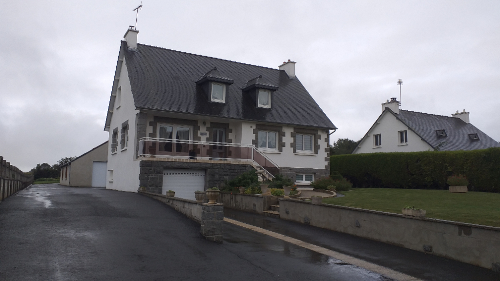 Maison Gommenec'h 8 pièce(s) 180 m2
