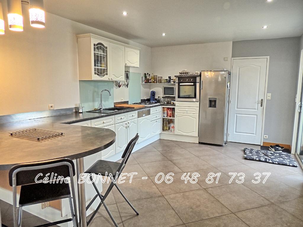 Maison Vallet 152m², 4 chambres, bureau, garage