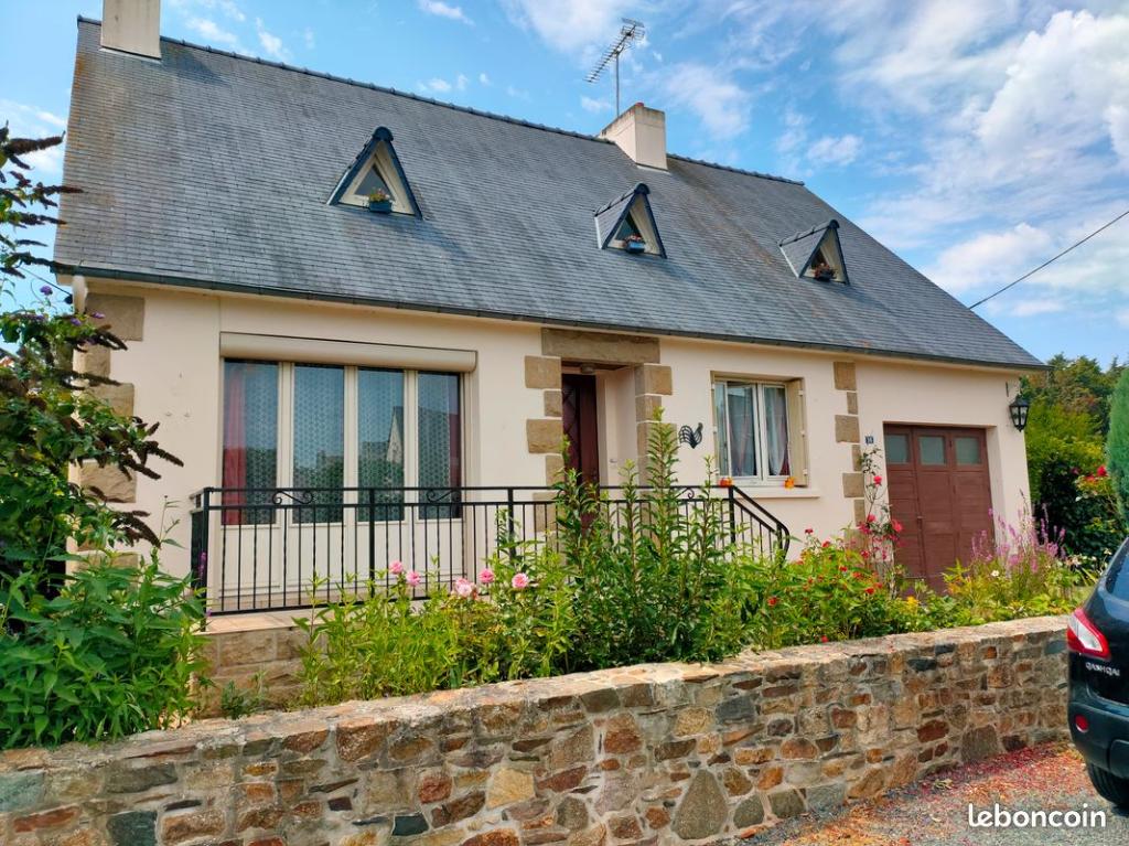 Maison Lanvollon 6 pièce(s) 140 m2