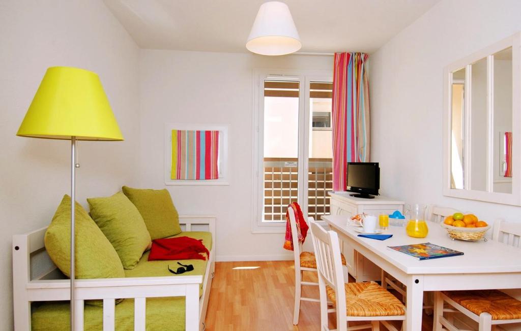 Appartement La Londe Les Maures 2 pièces Piscine Tennis Plage