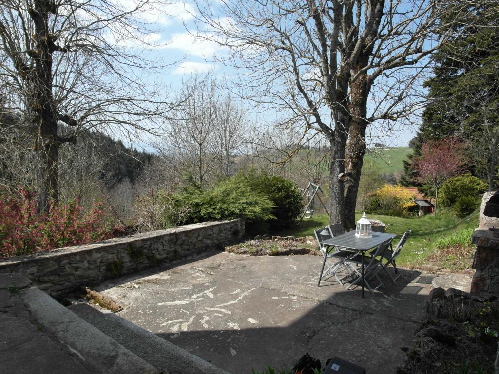 Maison Planfoy 7 pièces 165 m² 4 chambres 525m² de terrain attenant et 662m² non attenant avec garage double