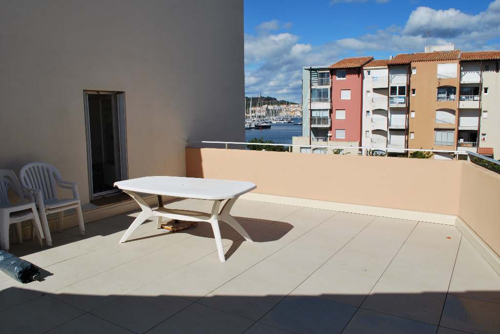 RARE 2 terrasses vue mer, T1 mezzanine parking