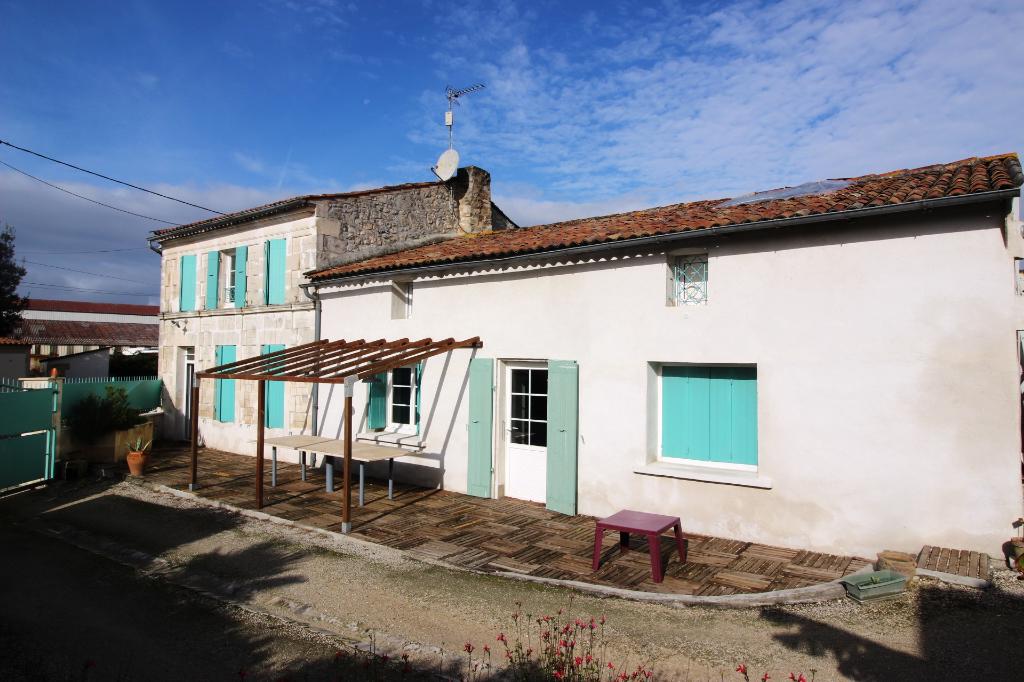 Maison charentaise -Thenac 17460 - 6 pièces -183 m2