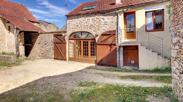 Maison 6 pièces Lucy-Le-Bois + grange et garage