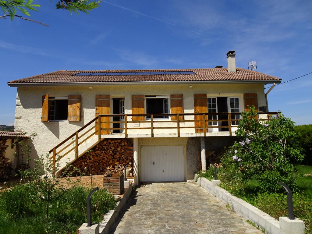 Maison Retournac 6 pièces 140 m² 3 chambres sur 3960m² de terrain