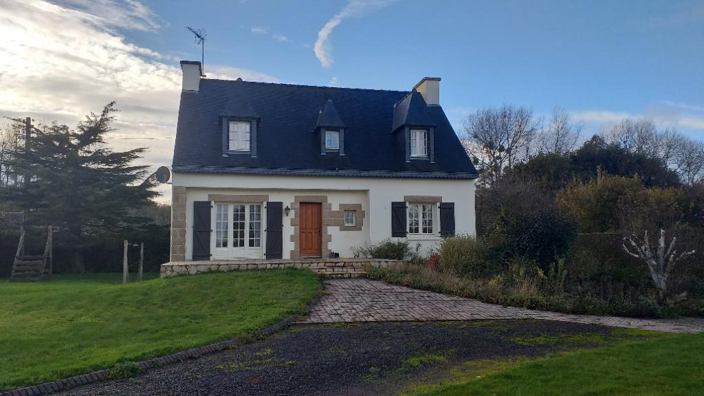 Maison Pommerit Le Vicomte 6 pièce(s) 100 m2