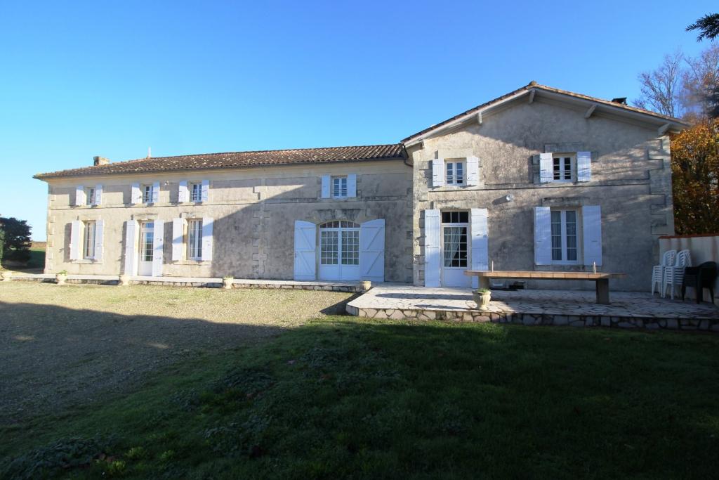 Maison de maître St FORT/GIRONDE - 10 pièces - 227 m2
