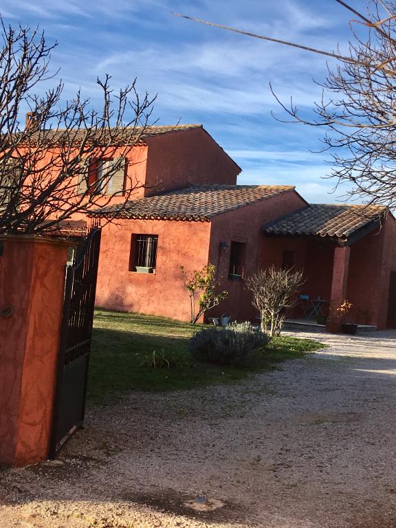 Villa 4p à St Antonin Du Var avec piscine et garage