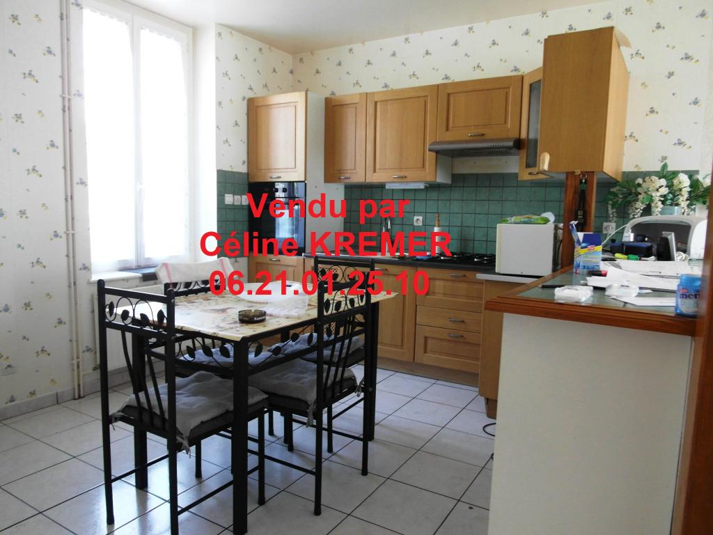 Maison  4 pièce(s) 100 m²