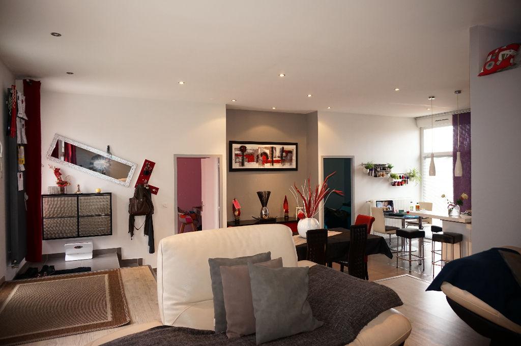 Appartement Le Chambon Feugerolles 4 pièce(s) 109.06 m2