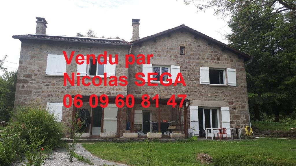 St Pal De Mons, 43620 maison en pierre T6 de 163 m2