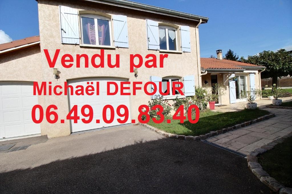 Maison Saint Galmier 133m² + véranda 4 chambres 824m² terrain avec piscine