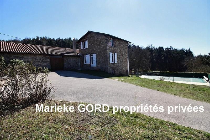 Très belle ferme rénovée de 182 m², 4 chambres avec piscine et dépendances sur un terrain de  1526m²