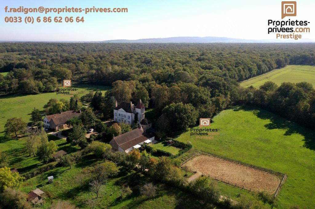 Domaine Bourgogne Sud sur 14 hectares forêt et parc