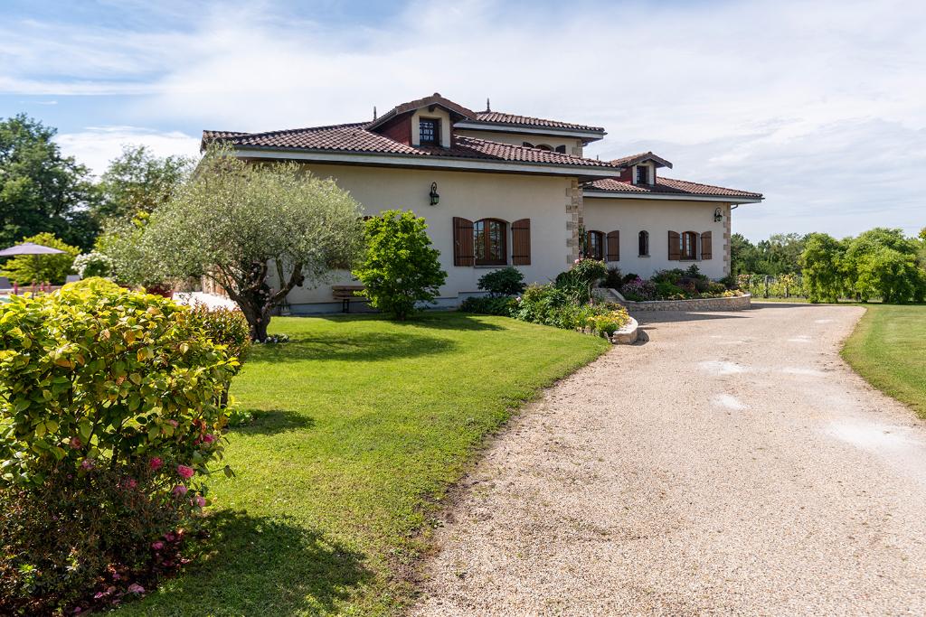 Villa 10 pièce(s) 665 m2