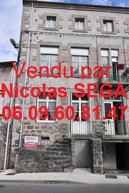 St Pal de Mons, 43620, immeuble + terrain constructible de 490 m²