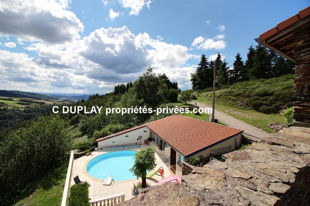Planfoy  42660 Maison 7 pièces 158 m² sur 13 hectares de terrain