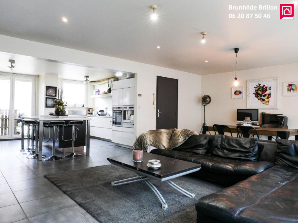 Généreux appartement de standing 160 m2 env avec large terrasse