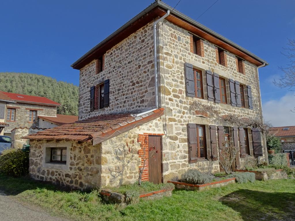 Maison en pierre 150 m² 4 chambres sur 124 m² d'extérieur avec garage double