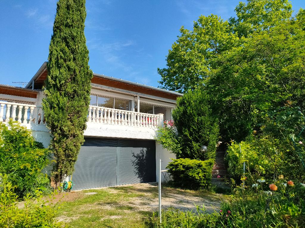 Villa 10 pièce(s) 320 m2