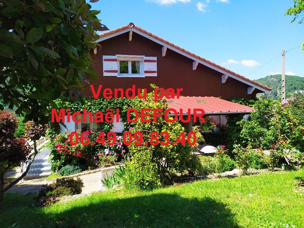 Maison 5 pièces 126 m² 3 chambres sur 1865 m² de terrain