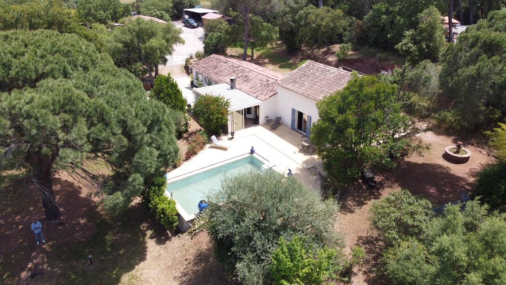 Maison Roquebrune Sur Argens 6 pièce(s) 230 m2