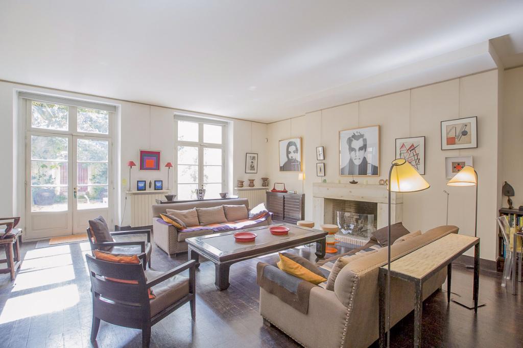 Au coeur du Marais 75003, Appartement de prestige et son jardin, 6 pièces 3 chambres 216 m2