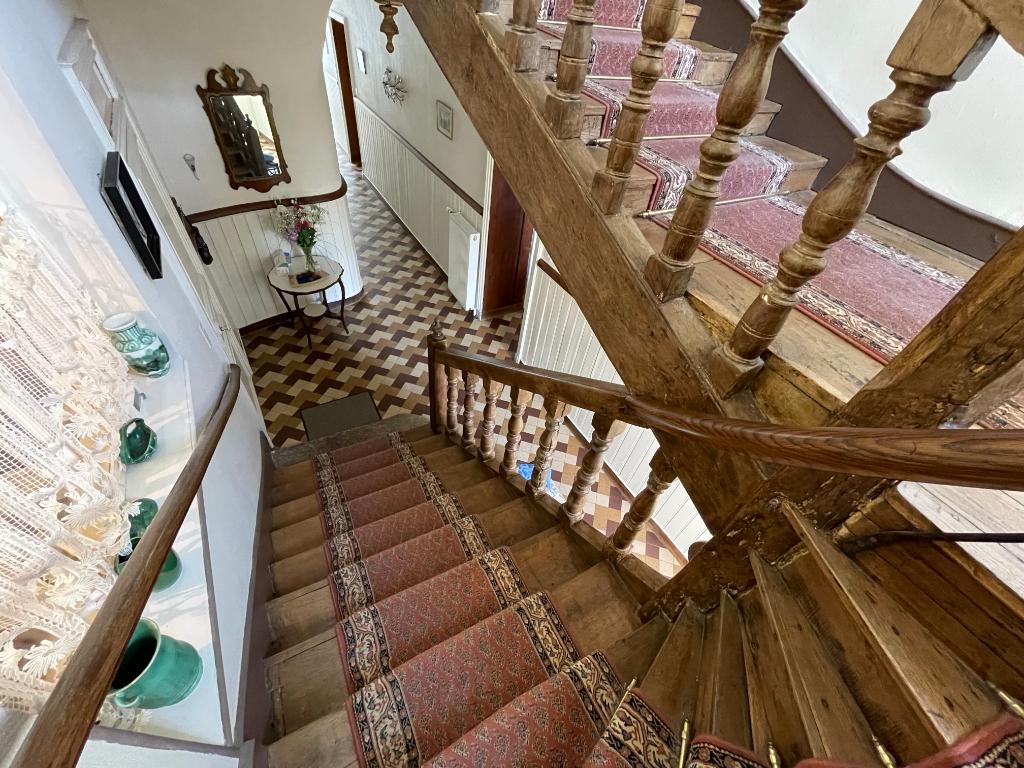 A vendre, Maison 10 pièce(s) 330 m²