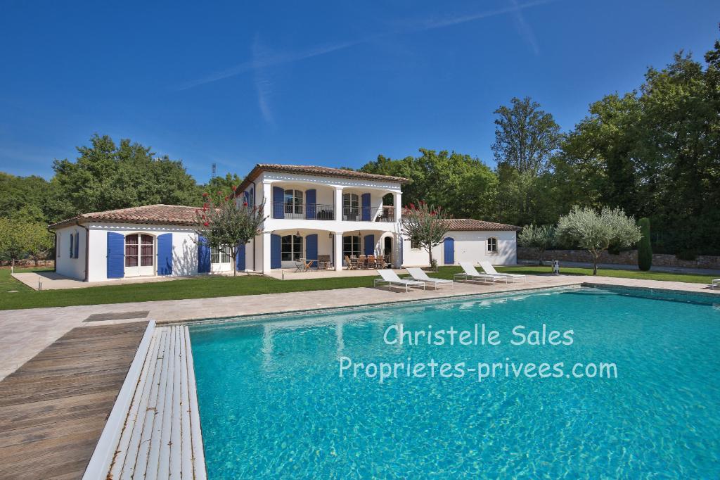Villa Montauroux 7 pièce(s) 260 m2