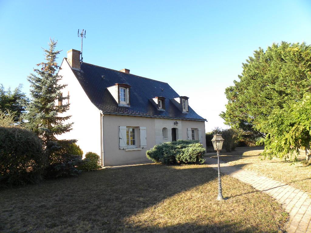 Maison Doue La Fontaine 6 pièce(s) 137 m2