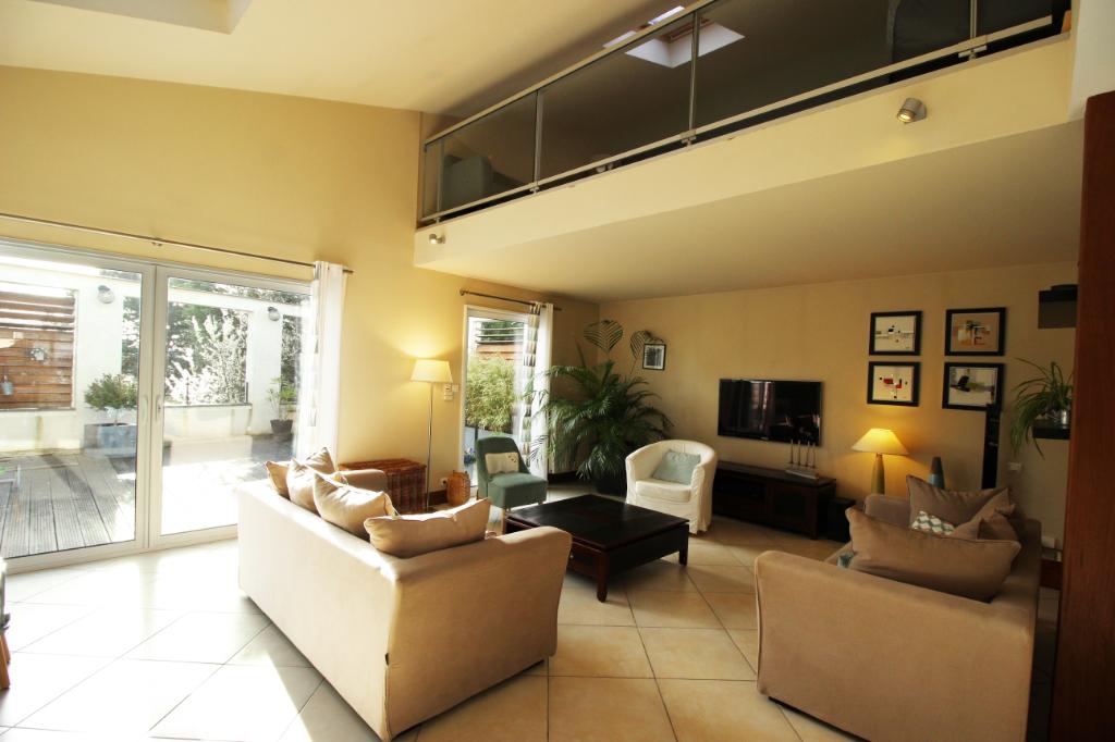 Maison Loft Angers 6 pièce(s) 175 m2