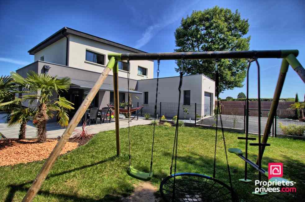 Maison Saint Barthelemy D Anjou 7 pièce(s) 170 m2