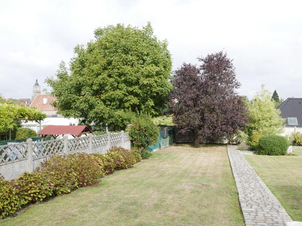 Semi plain pied 3 à 4 chambres, 140M² env, garage, jardin