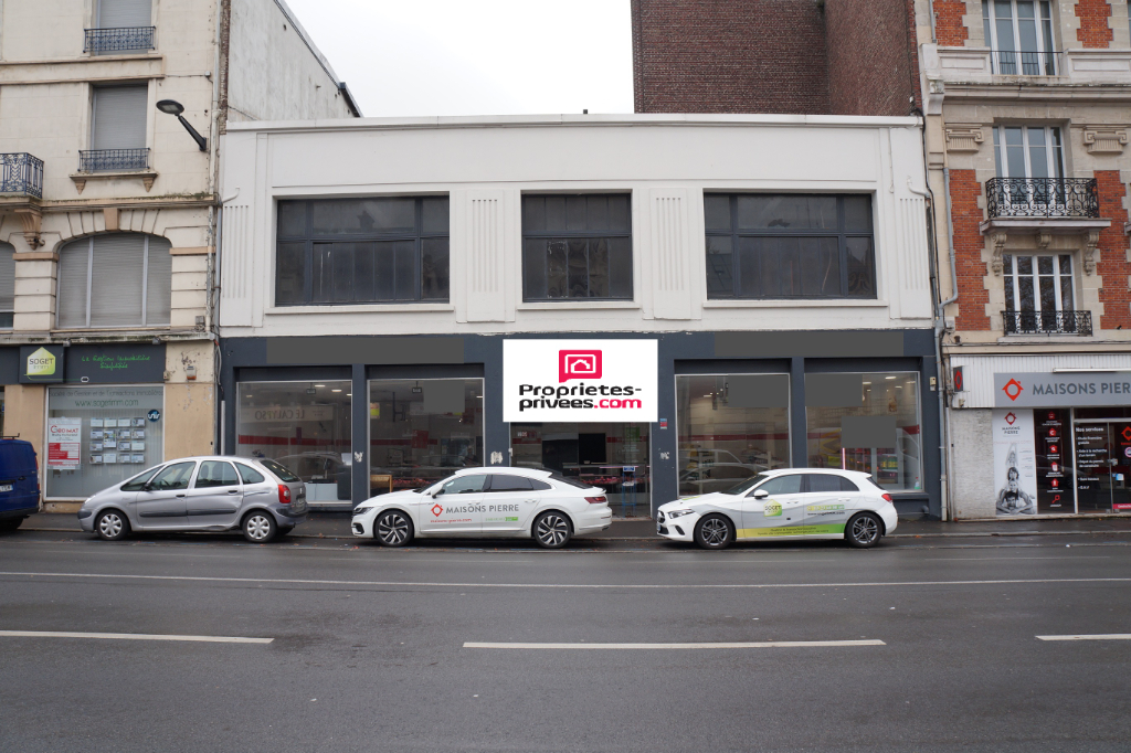Local commercial 800 m² Saint Quentin - centre ville