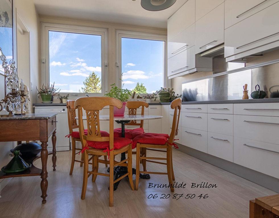 Appartement Lens 3 chambres 110 m2, hyper centre gare à pied