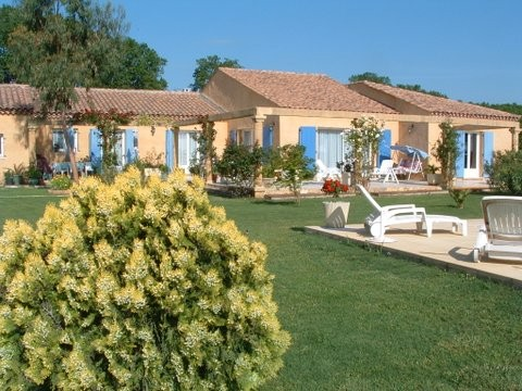 Villa plain pied T6 de 242 m2 sur 1810m2 + piscine