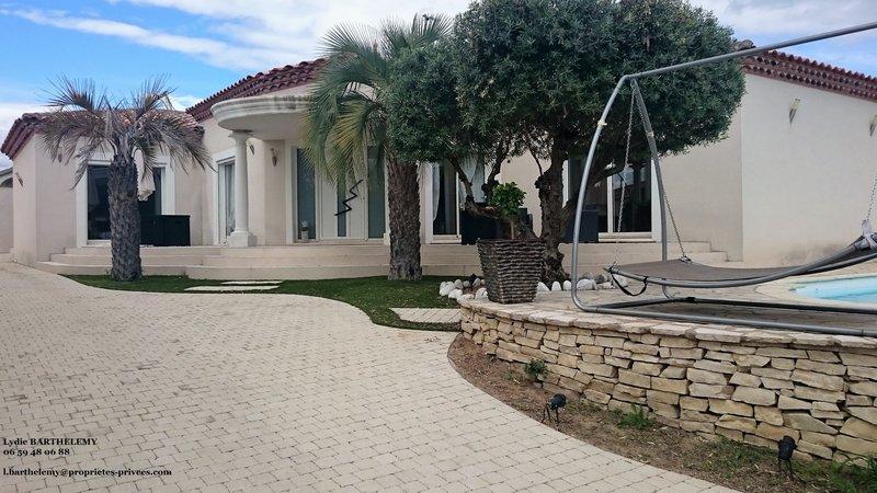 Spacieuse villa plain pied T4 160 M² Piscine